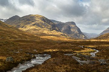 Die wunderschöne Landschaft von Glencoe in Schottland von Jos Pannekoek