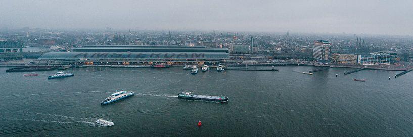 Uitzicht over de stad Amsterdam van Christian Reijnoudt