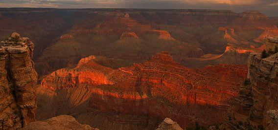 Grand Canyon Sunset van Michiel Heuveling