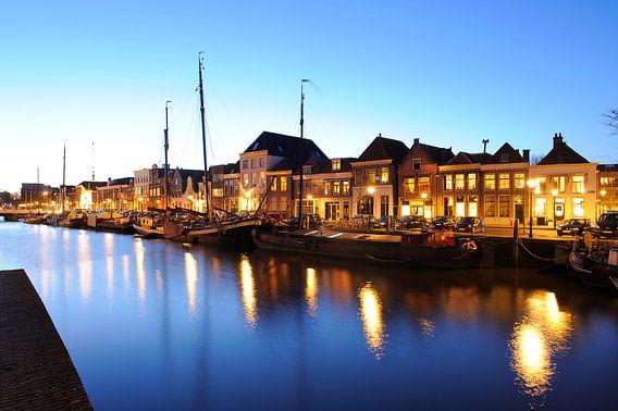 Thorbeckegracht in Zwolle in de avond van Merijn van der Vliet