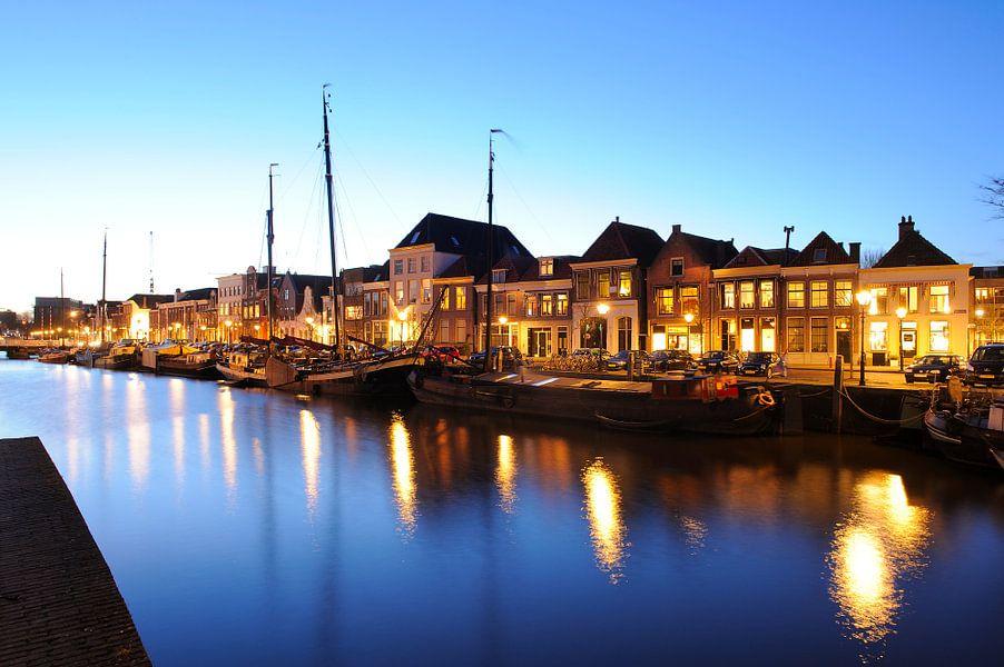 Thorbeckegracht in Zwolle in de avond