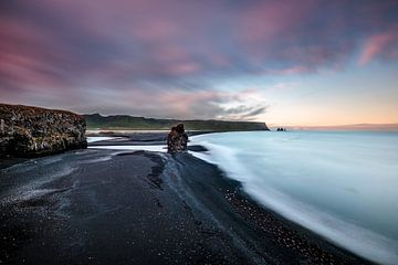 IJsland - zwarte lavastrand bij Vik
