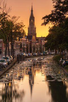 Neue Kirche Delft bei Sonnenuntergang von Ilya Korzelius