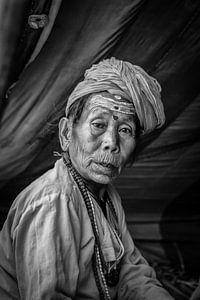 Vrouwlijke sadhoe in het tentenkamp van de Kumbh Mela in Haridwar India. Wout Kok One2expose
