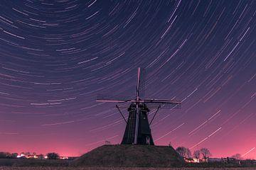 Nederlandse windmolen met sterren sporen van Kim Bellen