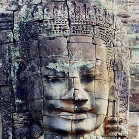 Stenen Boeddha uit de oudheid, Angkor Wat van Inge Hogenbijl