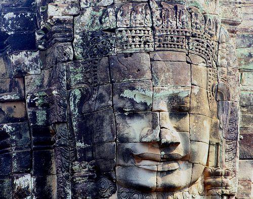 Stenen Boeddha uit de oudheid, Angkor Wat van