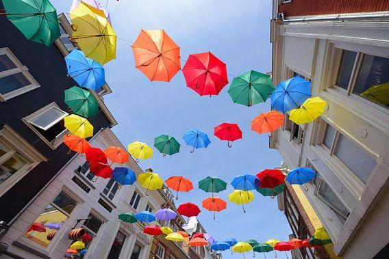 Paraplu's in Lange Elisabethstraat in Utrecht