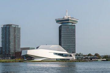Filmmuseum EYE en de Amsterdam Toren van Wim Stolwerk