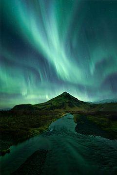 Sterk noorderlicht, IJsland van Sven Broeckx