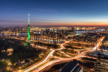 Spitsuur in Rotterdam van Niels Dam