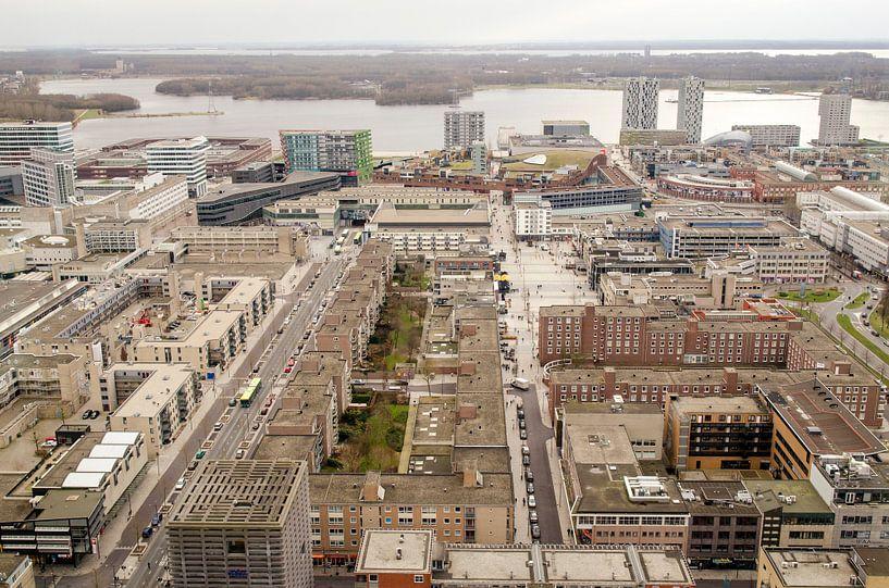 Almere Centrum vanuit het WTC van Sven Wildschut