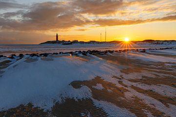Vuurtoren bij opkomende zon von Karla Leeftink