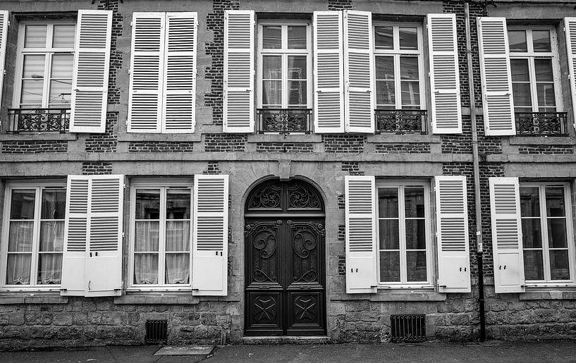 Frankrijk, gevel in zwart wit van Vincent de Moor