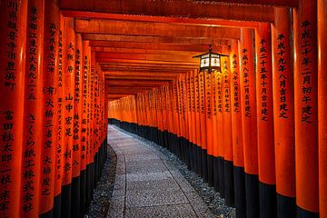 Fushimi Inari schrijn in Kyoto van Michael Abid