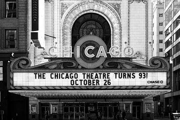 Chicago Theatre, iconisch theater in zwart wit. von Michèle Huge