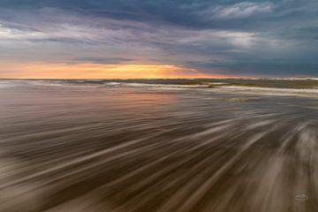 Moving sunset van Martien Hoogebeen Fotografie