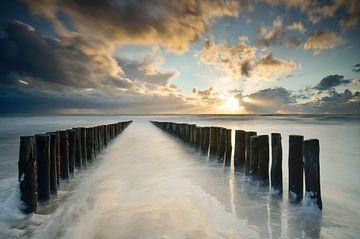 Coucher de soleil près de Zoutelande en Zélande sur Martin Jansen