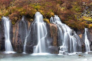 Hraunfossar waterval in IJsland van Ben van Boom