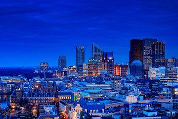 die Skyline von Den Haag kurz nach Sonnenuntergang von gaps photography