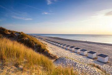 Verlaten strandhuisjes op het strand van Texel van Paul Weekers Fotografie