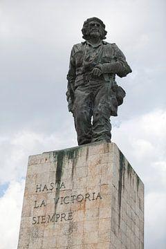 Standbeeld van Che Guevara in Santa Clara, Cuba van Kees van Dun