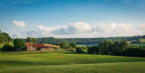 Boerderij in het Zuid-Limburgse landschap