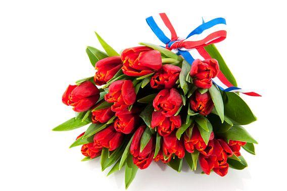 Boeket rode Hollandse tulpen