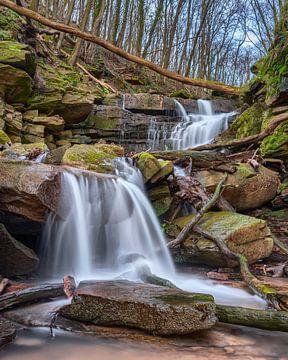 Wasserfall in der Margarethenschlucht von Uwe Ulrich Grün