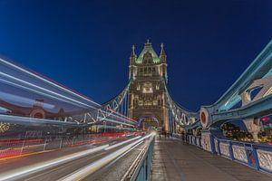 Londen in de avond - The Tower Bridge in het blauwe uurtje - 1