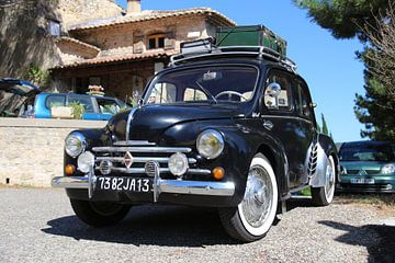 Oude Renault in Frankrijk von Angelique van 't Riet
