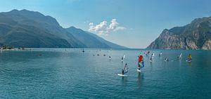 Windsurfen op het Gardameer, Torbole, Südtirol - Alto Adige, Italië van
