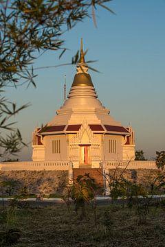 tempel op de top van een berg sur Marcel Derweduwen