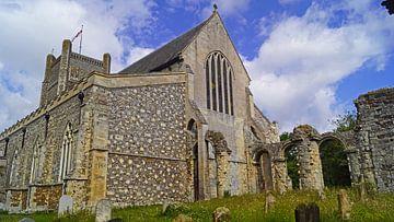 Kirche und Friedhof in Orford im Vereinigten Königreich von Babetts Bildergalerie
