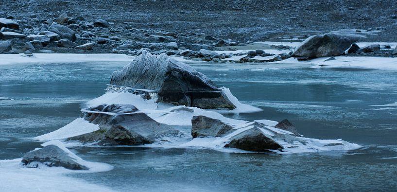 Bevroren water van Ilse Hofman