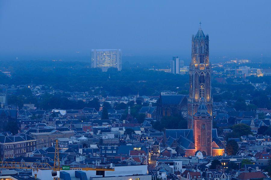 Binnenstad van Utrecht met Domtoren, Domkerk en Buurkerk, foto 1