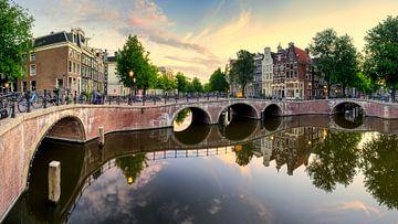 Zonsopkomst Leidsegracht en Keizersgracht te Amsterdam van Thea.Photo