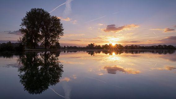 Zonsopkomst in Noord Holland van Peter Korevaar