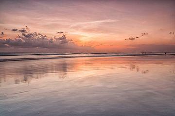 Zonsondergang Bali von Ilya Korzelius