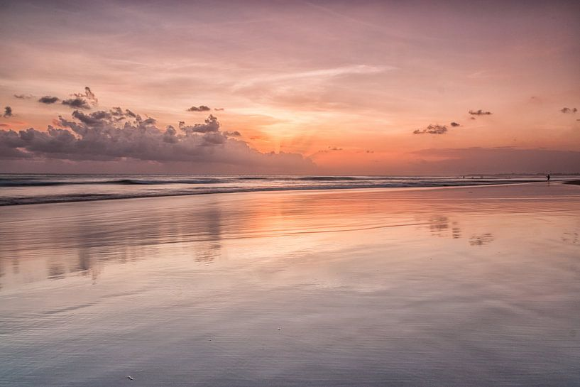 Zonsondergang Bali van Ilya Korzelius