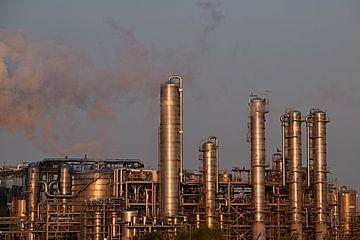 pijpleidingen van petrochemische industrie in het Rotterdamse Havengebied. van Robin Verhoef