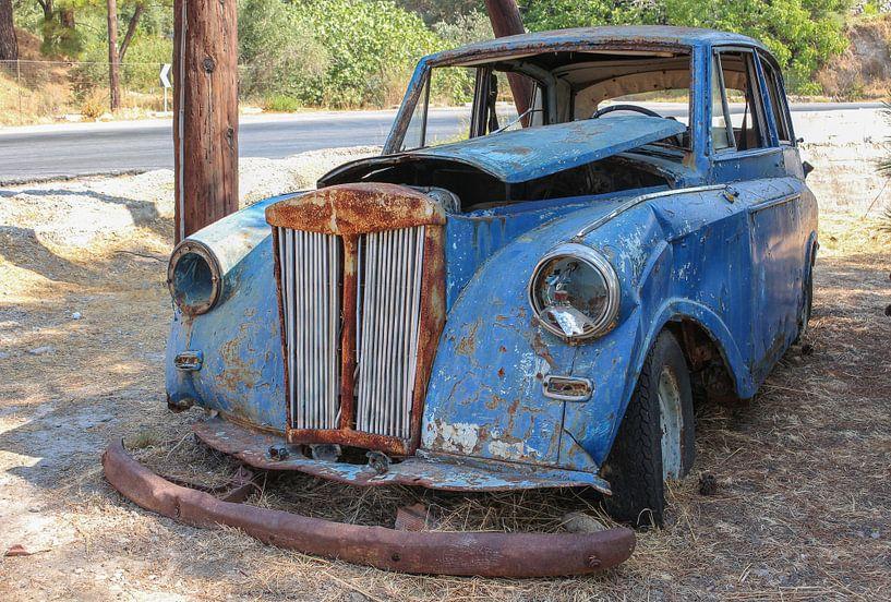 Verlassenes altes Auto von Patrick Löbler