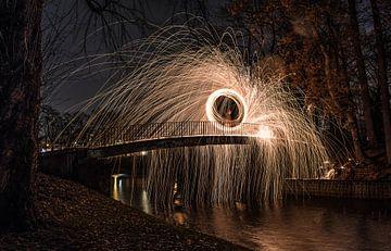 Lightpainten op een brug sur Lars Mol
