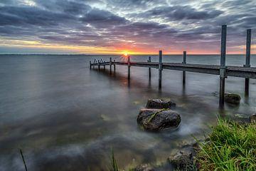 Steiger IJsselmeer zonsopkomst van Mario Calma