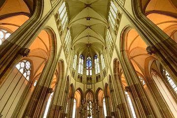 De binnenkant van de Domkerk in Utrecht von Merijn van der Vliet