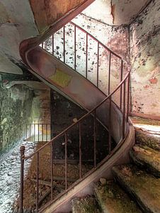 Stairs of decay