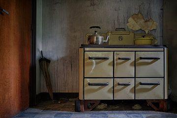 Urbex: Alter Ofen von Carola Schellekens