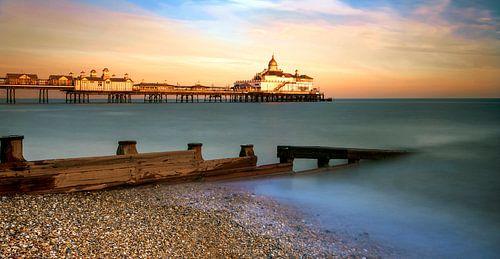 Sunset Eastbourne Pier van