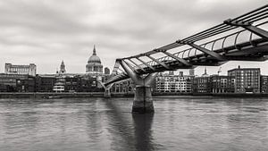 LONDON 06 van