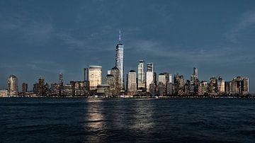 Skyline Manhattan New York en World Tradecenter van Edward van Hees